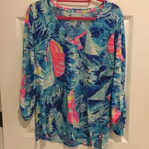 Lilly Pulitzer size s multi print tee
